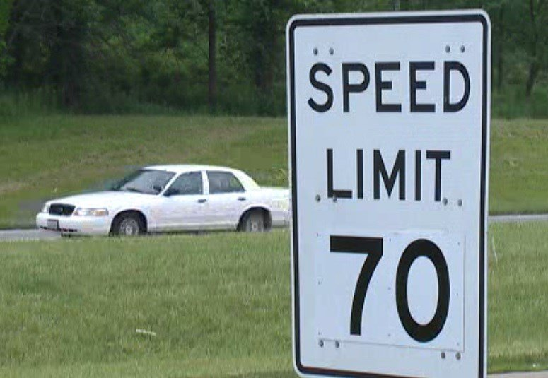 the speed limit on interstates should be increased The highest speed limit in new hampshire is 70 mph (1127 km/h) it can be found on interstate 93 from mile marker 45 to the vermont border (excluding the franconia notch parkway)all other freeways and turnpikes have a maximum of 65 mph the minimum speed on interstate highways in new hampshire is 45 mph where posted.
