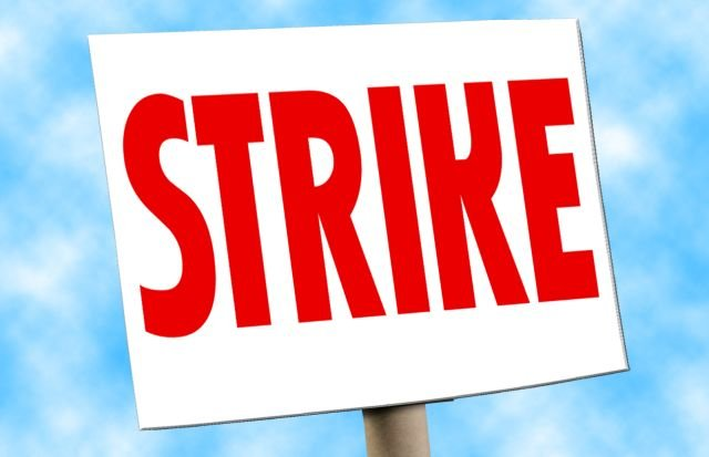 Pilots for major cargo company go on strike in Wilmington