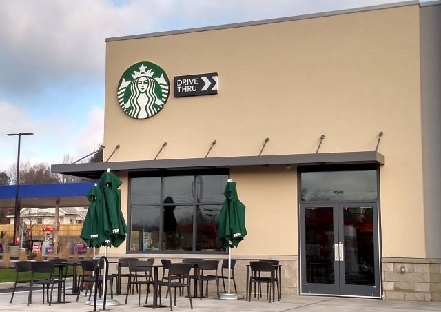 Canfield Starbucks Opens Today Wfmj Com News Weather Sports For