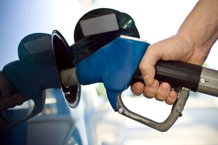 Gas prices in MA  down 5 cents per gallon