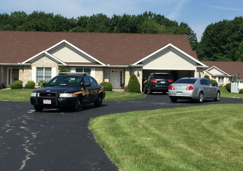 Police search the Boardman home of Youngstown Finance Director Dave Bozanich