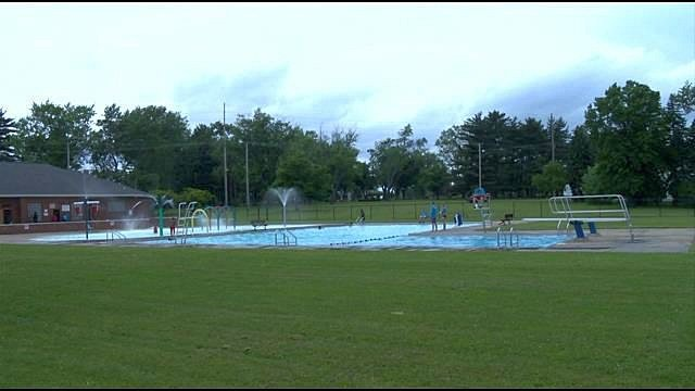 One Extra Day Of Swimming At Youngstown 39 S North Side Pool News Weather Sports For