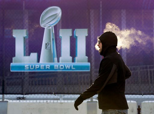 Viewers react to confusing 'blank screen' ad during Super Bowl commercial break