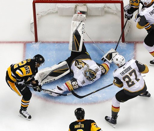 Penguins score five straight against Fleury, beat Vegas