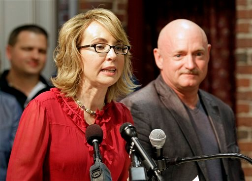 Giffords shares emotional plea for gun control after Florida school shooting