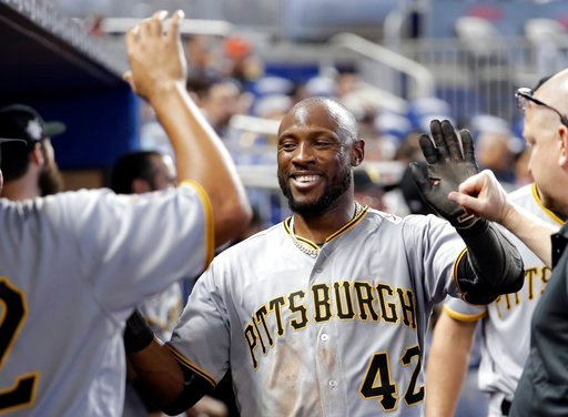 Pirates' Josh Harrison leaves game after being hit by pitch