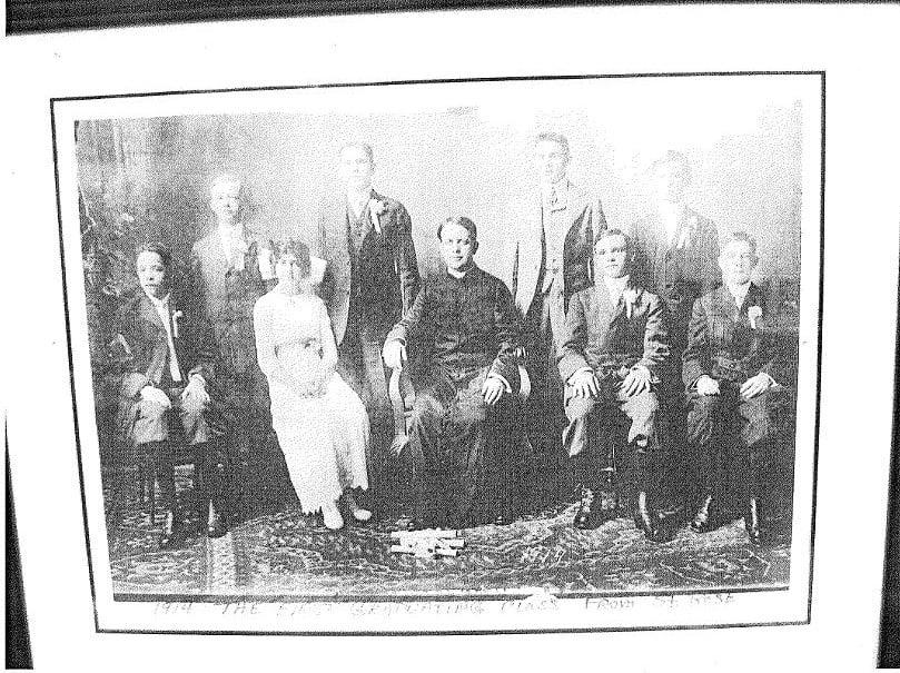St. Rose 1914 graduating class