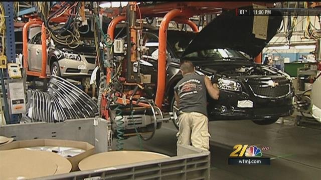 Uaw Leaders Have First Look At A Tentative Contract With