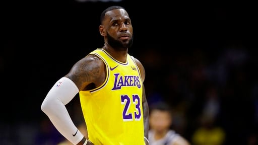 50c8fd0b92a James captivates crowd in his Los Angeles Lakers debut - WFMJ.com News  weather sports for Youngstown-Warren Ohio