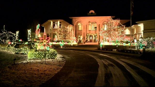Sebo Christmas Lights 2020 Salem family brightens holiday with elaborate light display   WFMJ.com